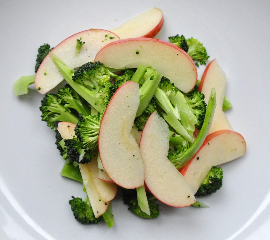 broccoli-apple-salad