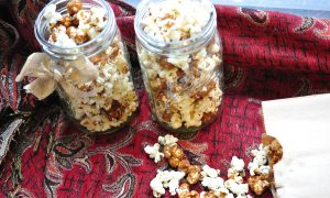 caramel-and-rosempary-popcorn