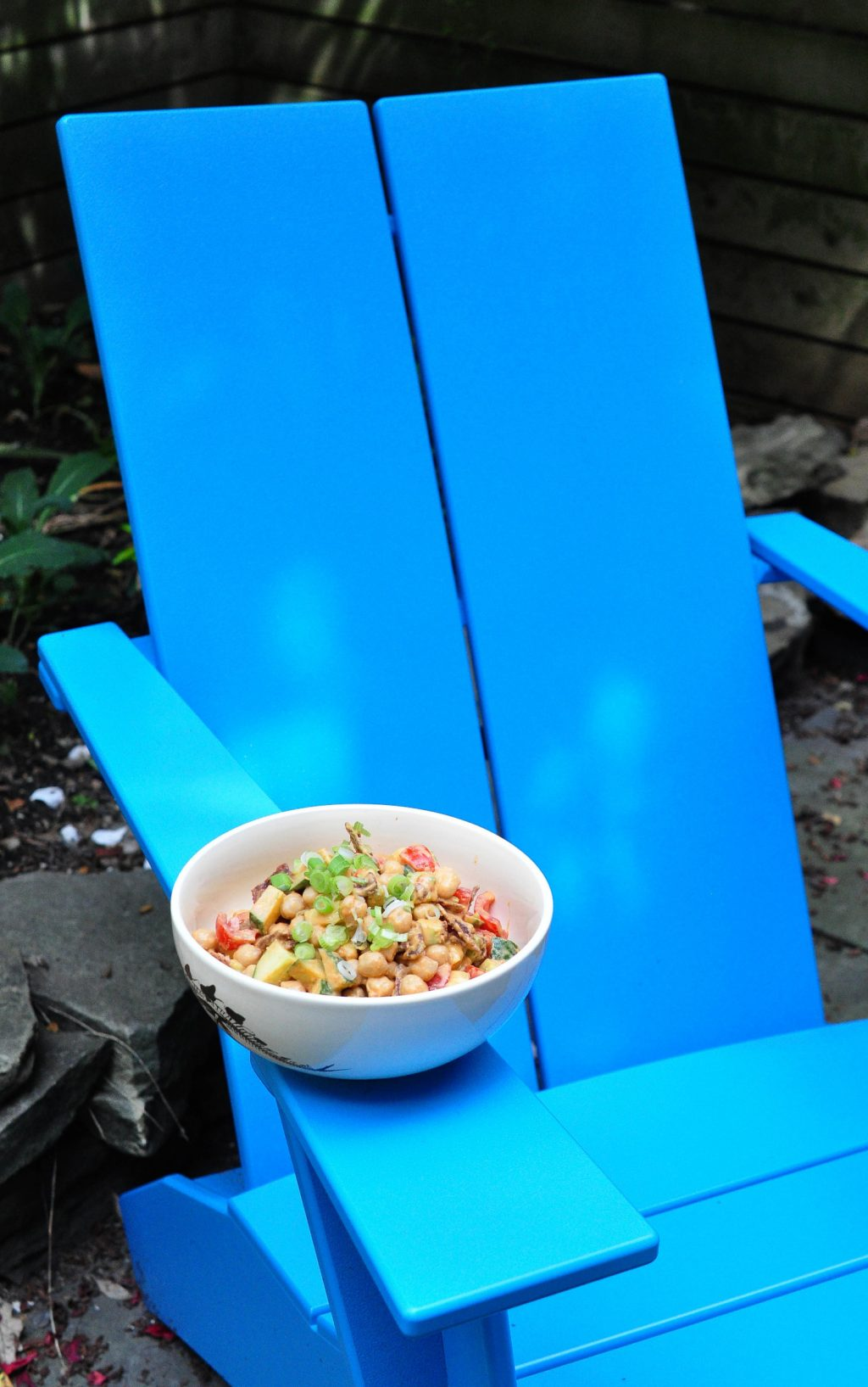 chickpeas-with-chair