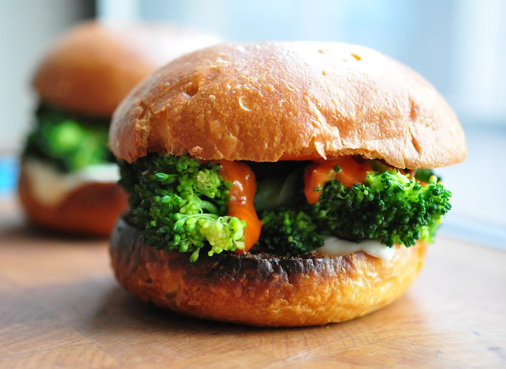 broccoli and gochujang sandwich with mozzarella and garlic chips